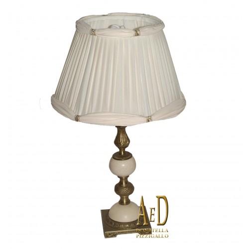 LAMPADA DA TAVOLO IN OTTONE E CERAMICA