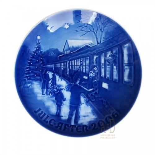 Royal Copenhagen Christmas plate Bing Grondahl & 2006