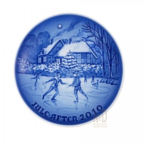 Royal Copenhagen Christmas plate Bing Grondahl & 2010